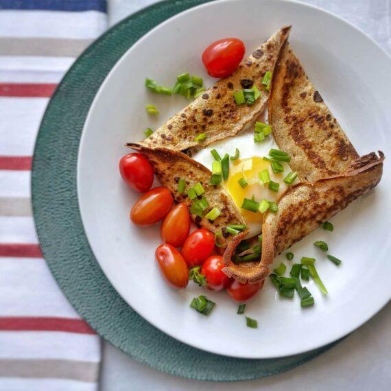 dieta-wloska-zapiekany-nalesnik-z-szynka-i-jajkiem