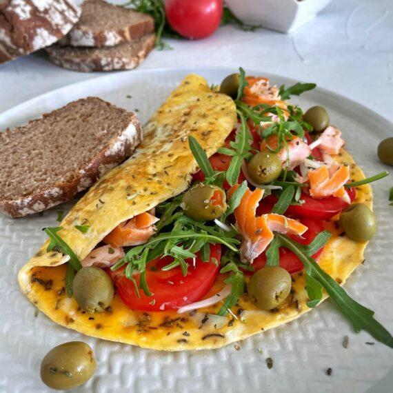 dieta-z-niskim-ig-omlet-z-lososiem